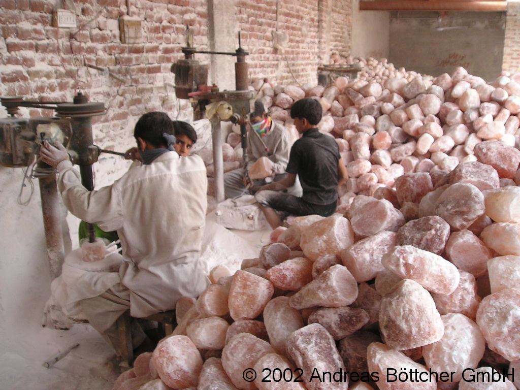 Salzlampen Produktion Bohren 1