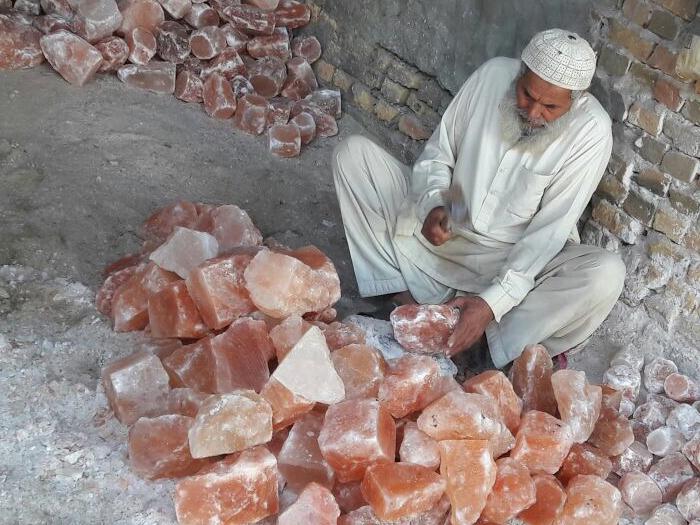 Salzlampen Produktion Bearbeitung 3